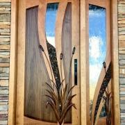 Piękne drewniane drzwi wejściowe